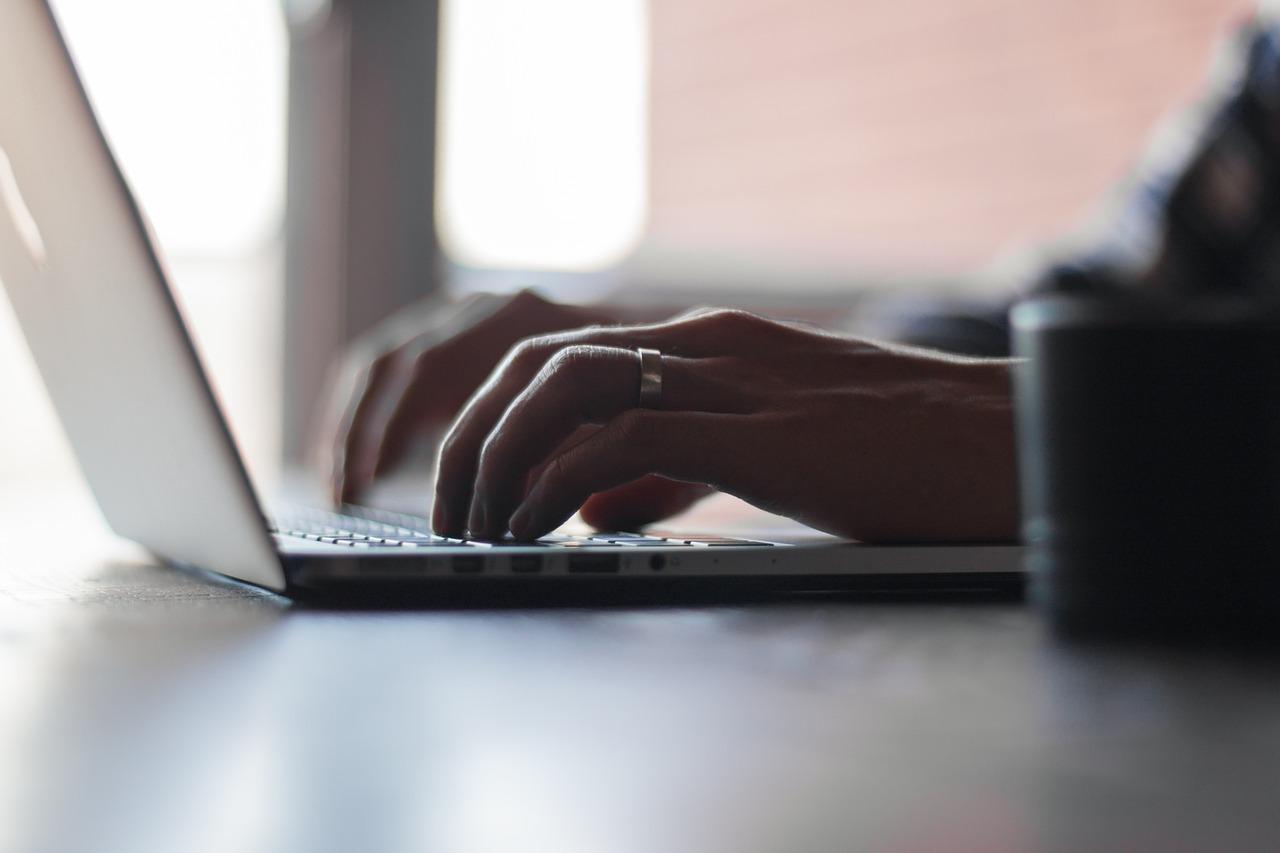 ブログを書くのに時間がかかりすぎる解決策と早く書くコツ